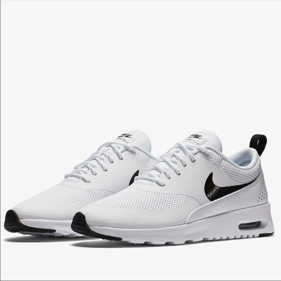 hot sales da481 05014 Women s Nike Air Max Thea. M 5b4be5a93c9844f91da64a24